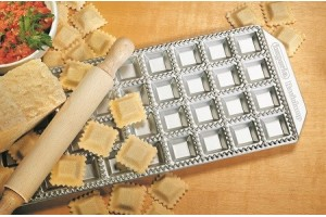 Moule Imperia 36 raviolis carrés 35x35mm aluminium + rouleau