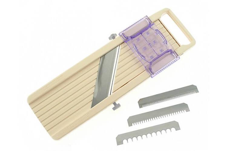 Mandoline japonaise professionnelle Benriner 3 lames acier inox + poussoir