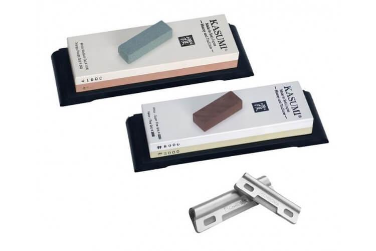 Set de 2 pierres à aiguiser japonaises Kasumi Premium 240/1000 et 3000/8000 + 4 accessoires