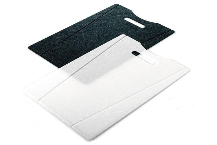 Set 2 planches à découper pliables Kuhn Rikon blanche et noire