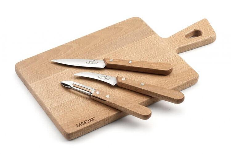 Set Sabatier International planche à découper + 2 couteaux + 1 éplucheur
