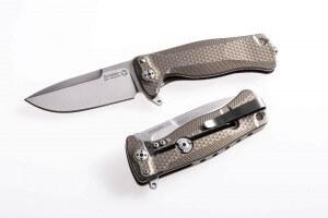 Couteau pliant LionSteel SR22 manche titanium 10cm pic brise-vitre