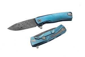 Couteau pliant LionSteel ROK damas manche titanium bleu 11cm