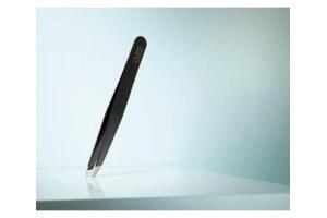 Pince à épiler RUBIS noir COLOR LINE CLASSIC