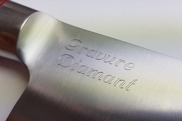 Gravure diamant personnalisée sur lame