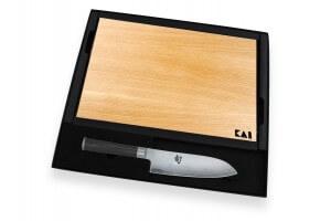 Coffret 1 couteau santoku Kai Shun Classic 18cm + 1 planche en bois KAI offerte