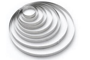 Cercle à tarte perforé inox De Buyer Valrhona bord droit hauteur 2cm
