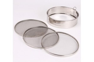 Tamis 3 grilles inox - 20cm