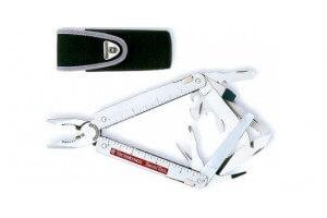 Pince Swisstool Victorinox 12 pièces lame ondulée + étui nylon
