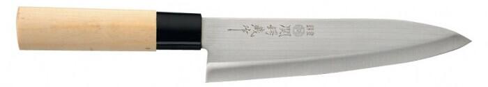 Les couteaux japonais Nagekomi possèdent une dureté de 56 HRC et parfois 55. Ces couteaux doivent être souvent aiguisés mais cela se fait facilement.
