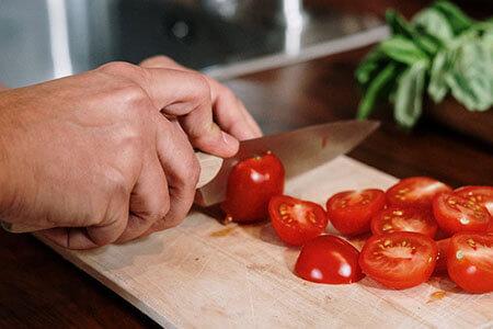 Couteau de cuisine universel à lame courte