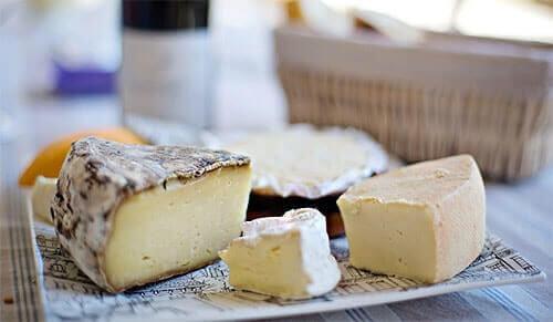 Sélection de couteaux à fromages