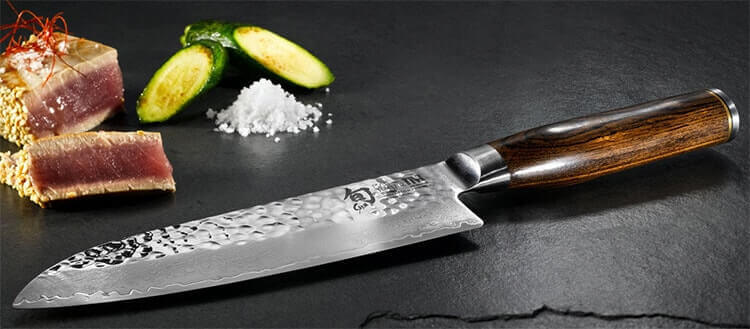 Optez pour la qualité avec le couteau santoku !