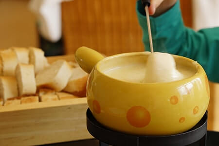 service à fondue savoyarde